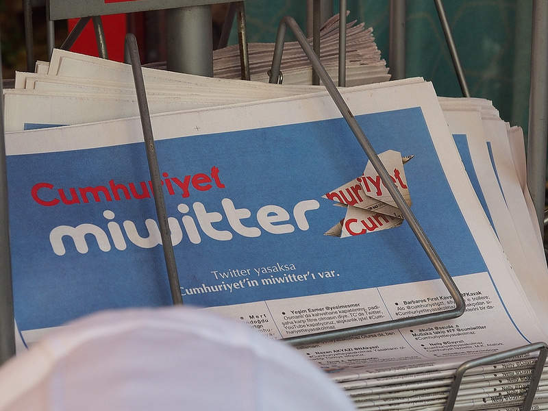 Une du quotidien turc Cumhuriyet (La République). (photo flickr/toetoe)
