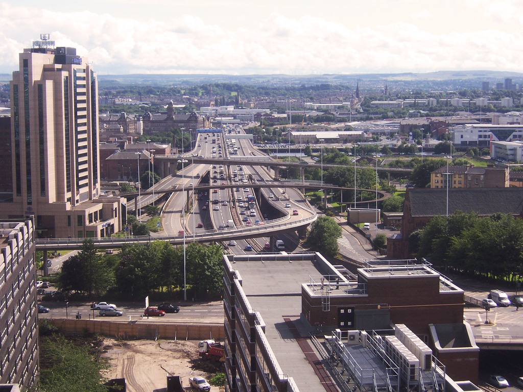 Glasgow depuis l'autoroute M8 (photo flickr/alexliivet)