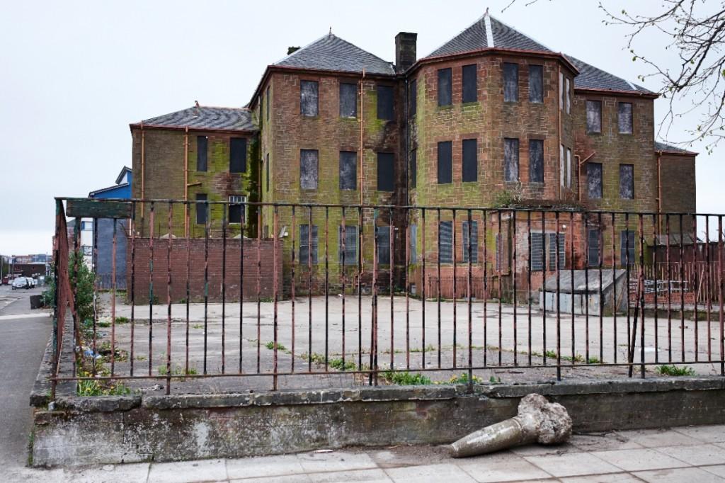 Une demeure abandonnée dans le quartier de Calton, dans le East End, Glasgow (photo ThomasHalkin/8e étage)