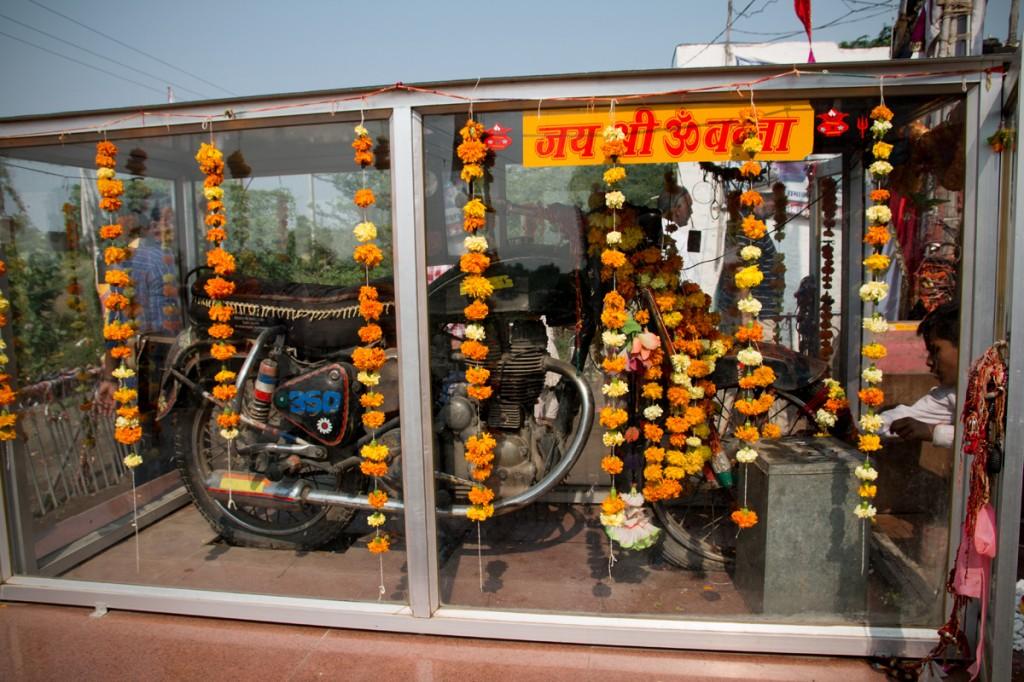 Le temple, sur la route de Jodhpur. (photo Daniel Villafruela)