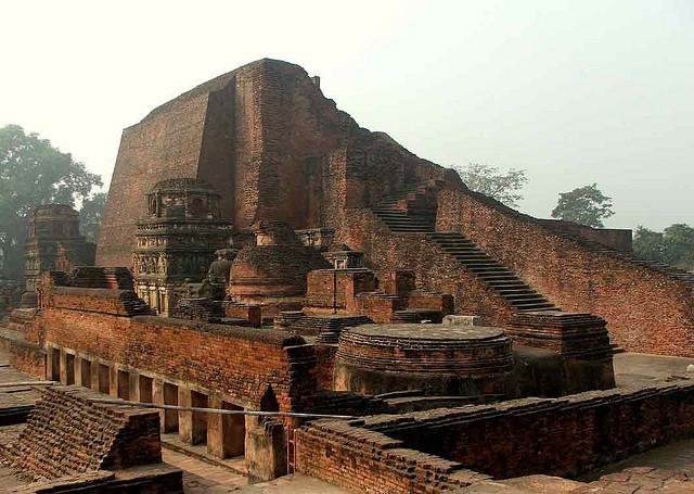 Les ruines de l'ancienne université de Nalanda, dans le nord-est de l'Inde. (photo flickr/wonderlane)