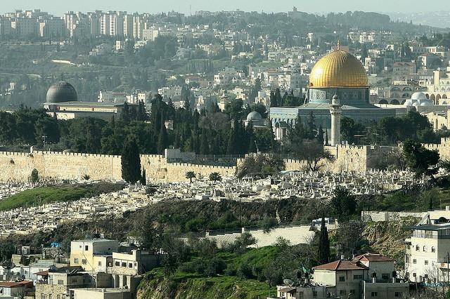 Le Mont du Temple pour les juifs ou Esplanade des mosquées pour les musulmans est un des lieux religieux les plus disputés au monde. (photo flickr/spindexr)