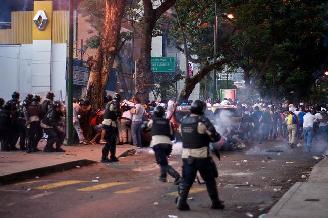 Manifestations de février 2014 à Caracas contre l'insécurité, l'inflation et la pénurie de produits de première necessité. (flickr/Andrés E. Azpúrua)