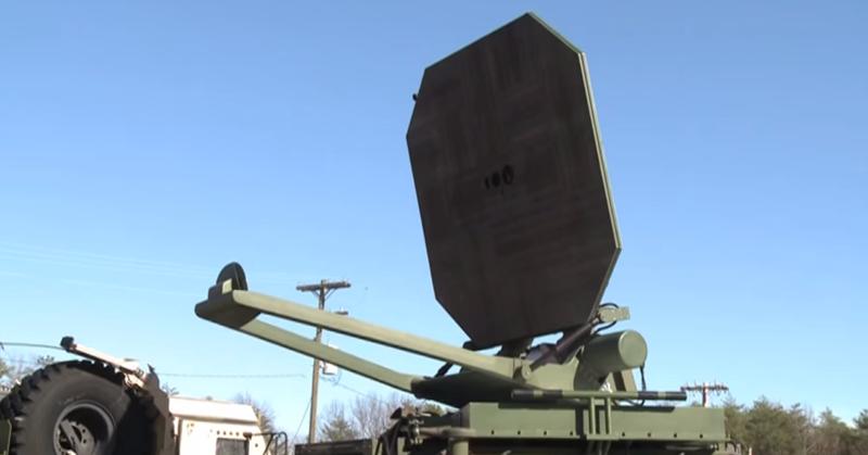 """Le """"Poly WB-1"""" est dérivé du canon à rayons développé par l'armée américaine dans les années 2000. (capture écran vidéo AFP)"""