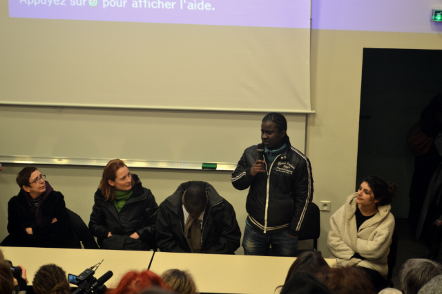 Abdoulaye, 17 ans, lycéen sans abri. (photo Patrick Randall/8e étage)