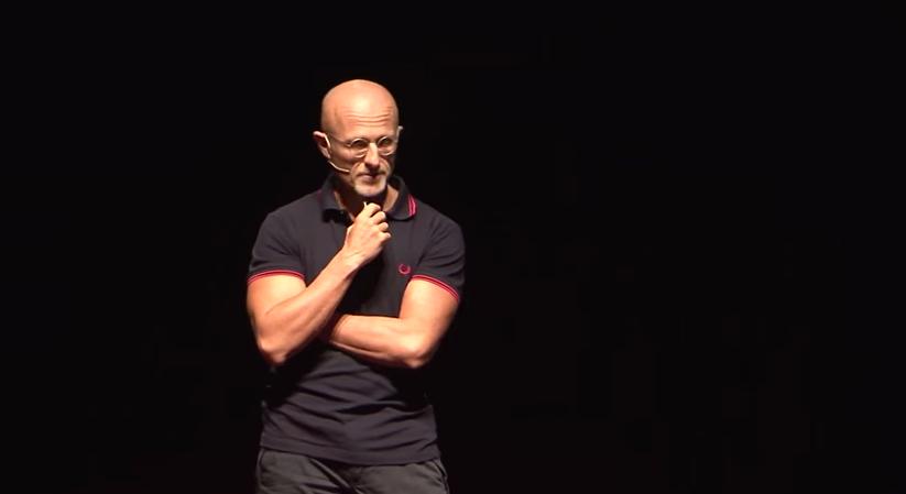 Le docteur Sergio Canavero en décembre dernier lors d'une conférence TEDx à Limassol. (photo TEDx)