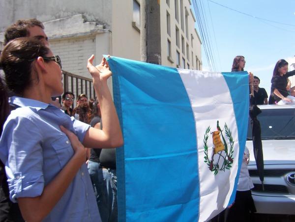 Déjà en 2002, les Guatémaltèques défilaient pour demander la démission de leur président (Photo Flickr / Todo or mi guate por un mejor país!)