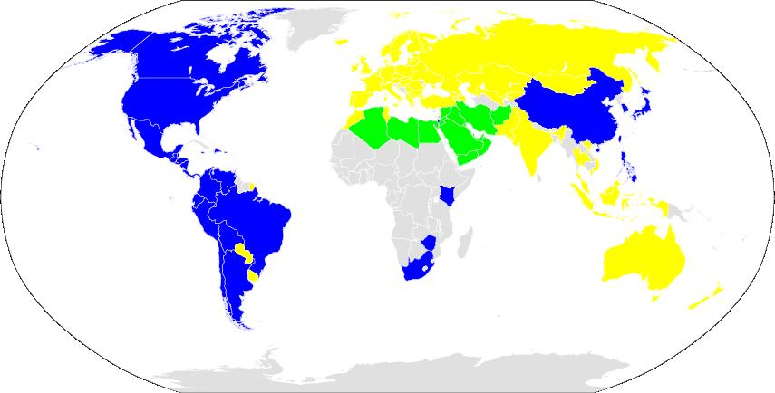 Le premier jour de la semaine dans le monde: en vert, le samedi; en bleu, le dimanche; en jaune, le lundi by Saeed.gnu via Wikimedia Commons.
