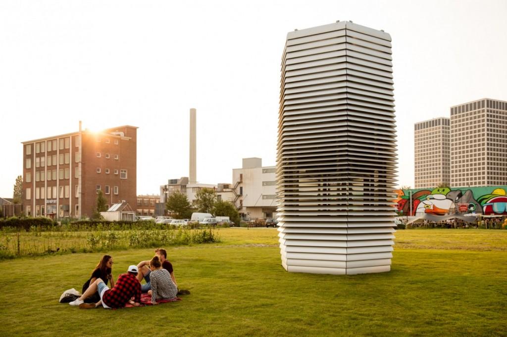 La Free Smog Tower peut filtrer un million de mètres cubes d'air par heure. (photo Studio Roosegaarde)