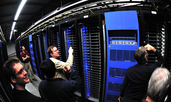 L'un des centres de données de Facebook. (Photo Flickr/Intel Free Press)