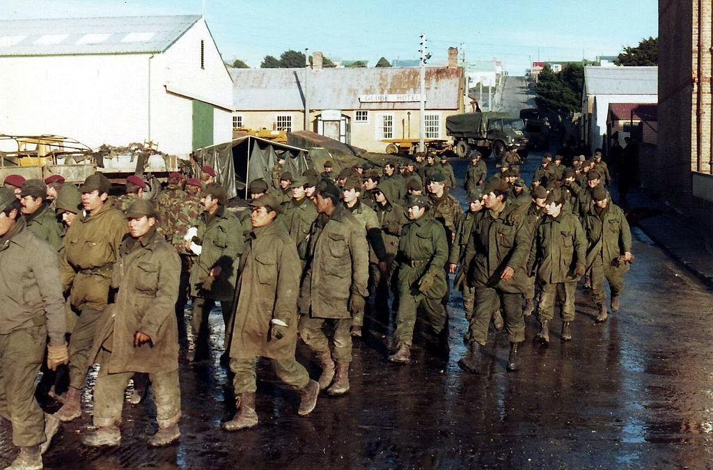 Les soldats argentins durant la guerre des Malouines opposant la Grande-Bretagne à l'Argentine. (Photo Wikipedia)