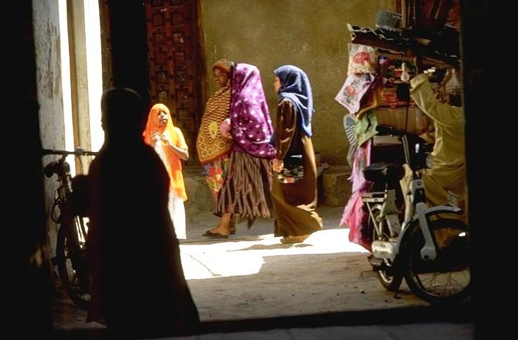A Zanzibar, les femmes ont le droit de vote, mais aussi la pression de leur mari. (Photo Wikipedia)