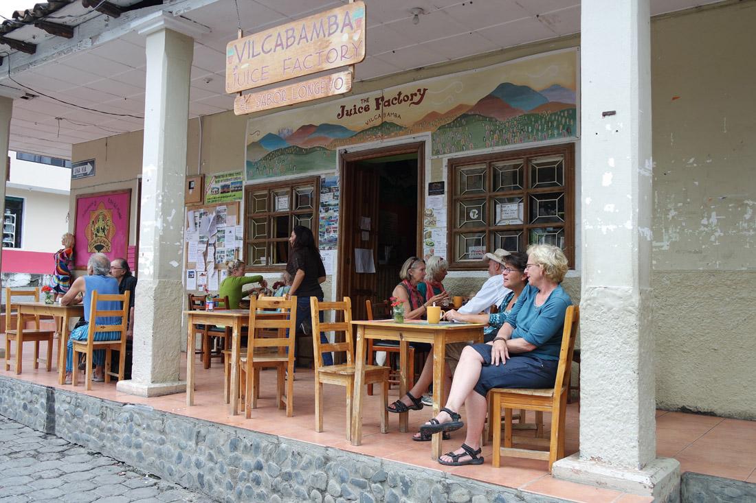 Un café sur la place centrale de Vilcabamba. (Photo Grégoire Nartz/8e étage)