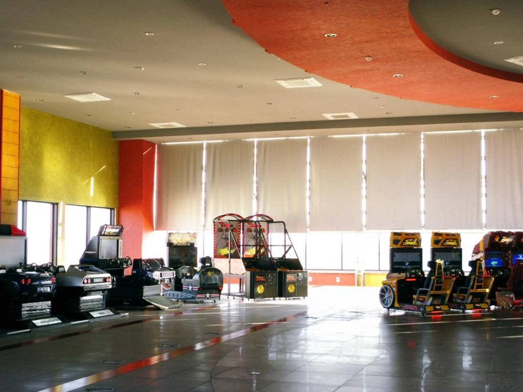 Salle de jeu dans un centre commercial à Deir Atieh. (Photo Victor Cavasino/8e étage)