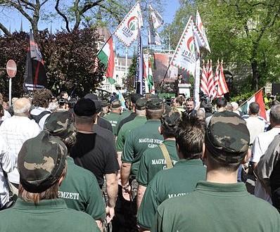 Manifestation des militants de Jobbik lors d'une réunion d'un congrès juif à Budapest, en mai 2013.