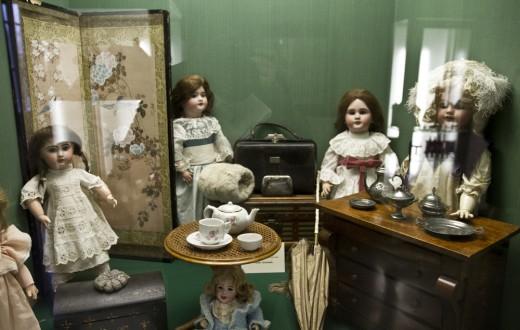 Une collection de poupées du musée Marius-Audin (69)