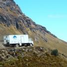 Le camion-clinique en déplacement dans les Andes équatoriennes.  (source http://www.cinterandes.org)