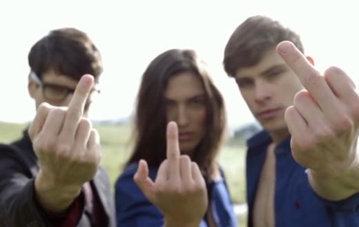 """""""Vous aussi faites un doigt d'honneur à Big Brother"""" (The Affair/Kickstarter)"""