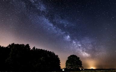 """""""Voie Lactée et pollution lumineuse"""" (photo Flickr/Fabrice Gillet)"""