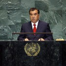 Le président du Tadjikistan Emomali Rahmon aux Nations Unies en 2009.