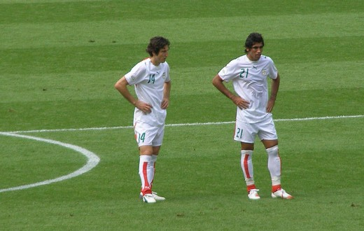 A gauche Andranik Teymourian, nouveau capitaine de la sélection nationale iranienne. (Photo Flickr/geisagholian)