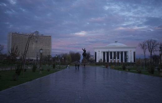 Au petit matin du 1er janvier prochain, les autorités de la ville de Tachkent espèrent bien trouver des rues désertes, ou presque. (Photo Flickr/Aleksandr Zykov)