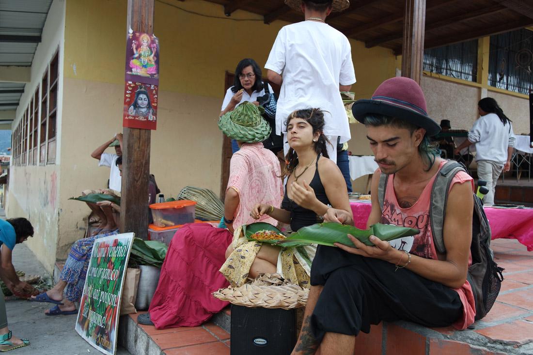 Des résidents de la communauté de Chambalabamba. (Photo Grégoire Nartz/8e étage)