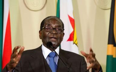 Robert Mugabe lors d'une visite officielle en Afrique du Sud en avril 2015 (Photo Flickr/GovernmentZA)