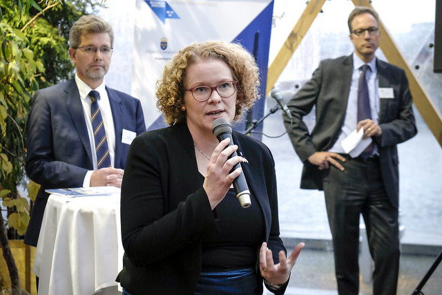 Karin Wanngard, maire de la capitale Stockholm, gagne 13300 euros par mois. (photo flickr/newsoresund)