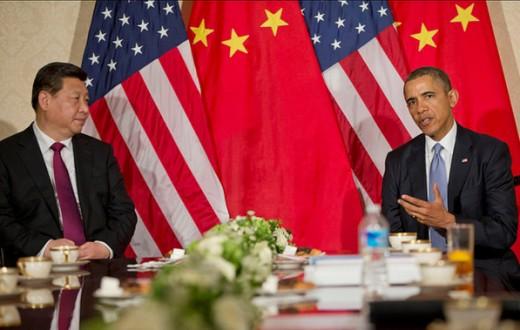 Barrack Obama, le présient américain, et Xi Jinping, le président chinois, lors d'un sommet bilatéral  en 2014. (Photo Flickr/U.S. Embassy The Hague)