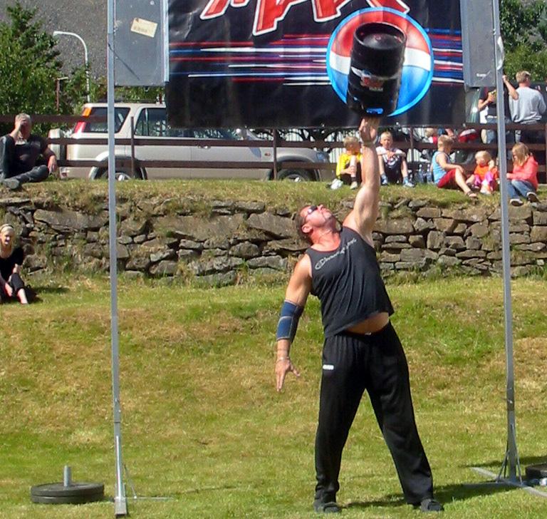 Magnús Ver Magnússon en Islande, en 2007. Il est le seul, avec Jón Páll Sigmarsson, a avoir remporté quatre fois le titre d'homme le plus fort du monde. (photo flickr/Helgi Halldórsson)