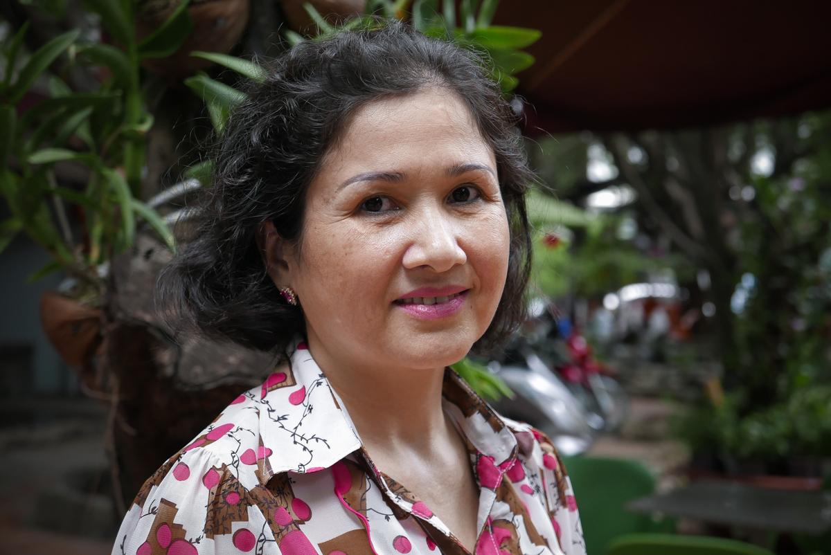 """""""Mes yeux, mon nez, sont différents. Ils me rendent très belle, même si cela m'a valu beaucoup de moqueries plus jeune"""", raconte Nguyen Thi Thuy. (photo Sarah Joucan/8e étage)"""