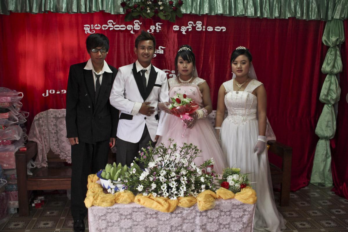 Deux étudiants se marient à tout juste vingt ans, la moyenne d'âge. (Photo Matthieu Baudey/Carole Oudot/8e étage)