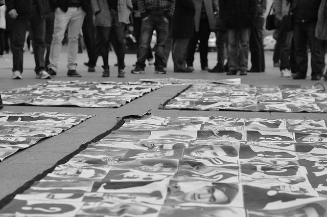Mars 2013. À Madrid, des photos de victimes du franquisme. (Photo Flickr/Xanti Fakir)