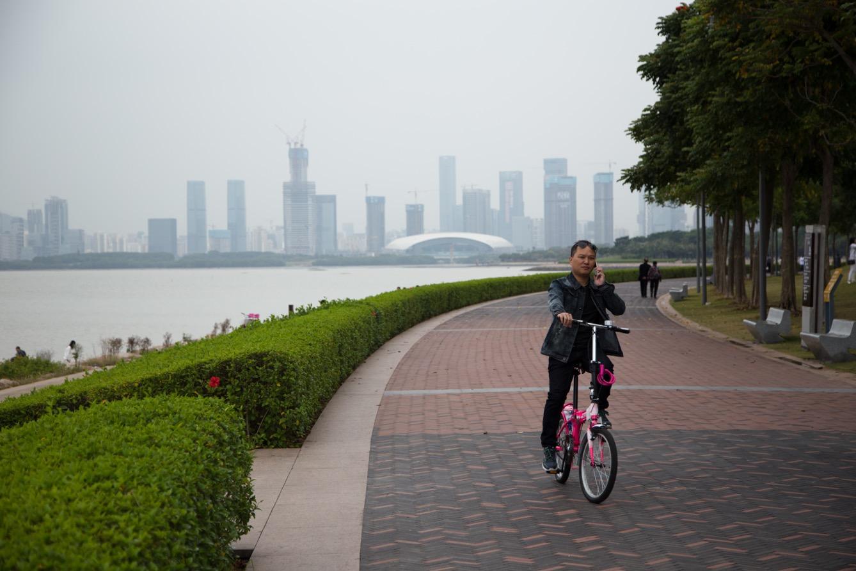 Bord de l'eau de la ville de Shenzhen. (photo Clément Bürge/8e étage)