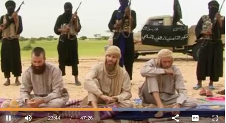 """Capture d'écran du documentaire d'Al-Jazeera """"Les Orphelins du Sahara."""""""