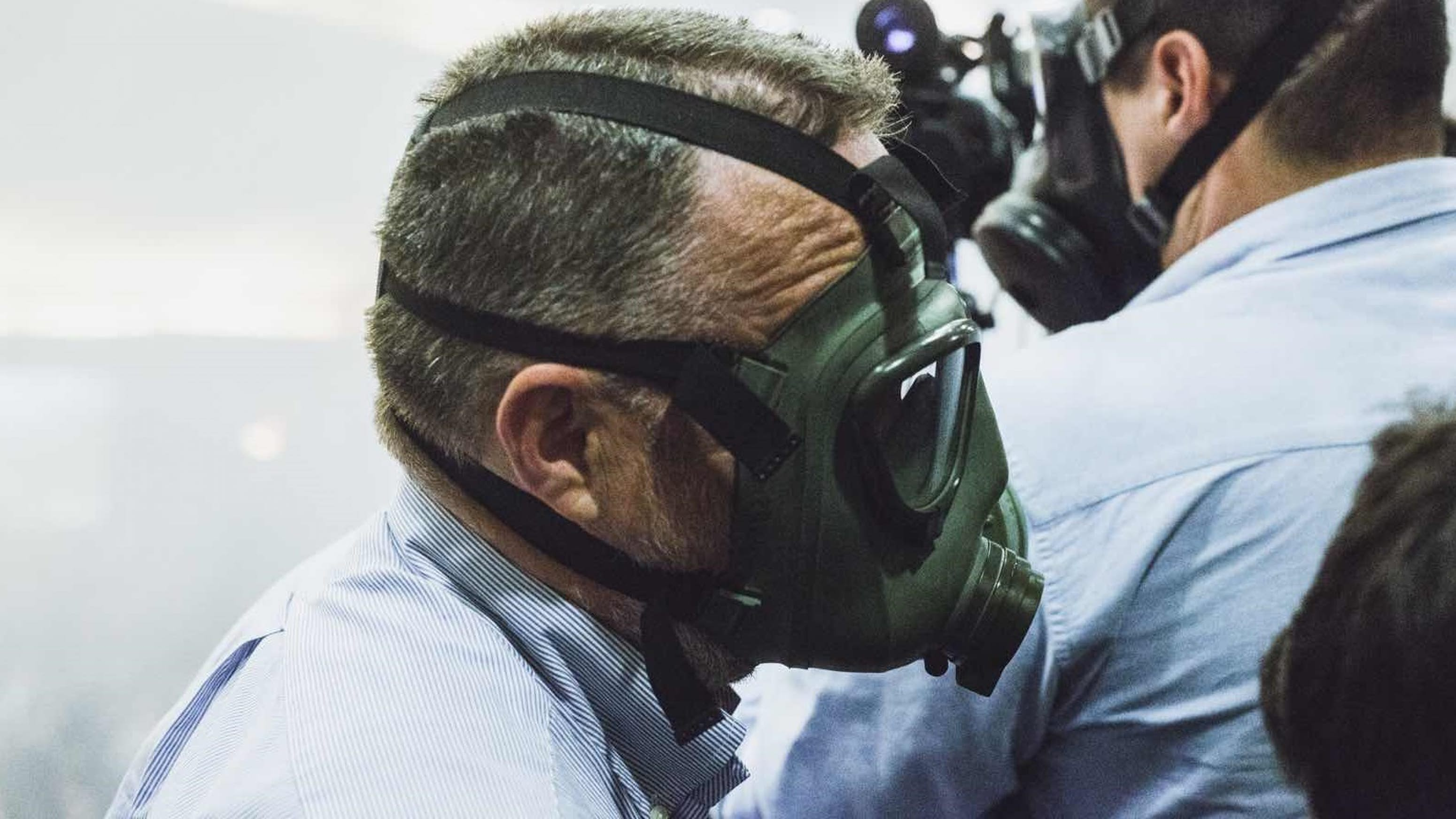 Des masques à gaz au Parlement. Depuis plusieurs mois, l'opposition perturbe les votes à coups de lacrymo. (photo Martin Valentin Fuchs)
