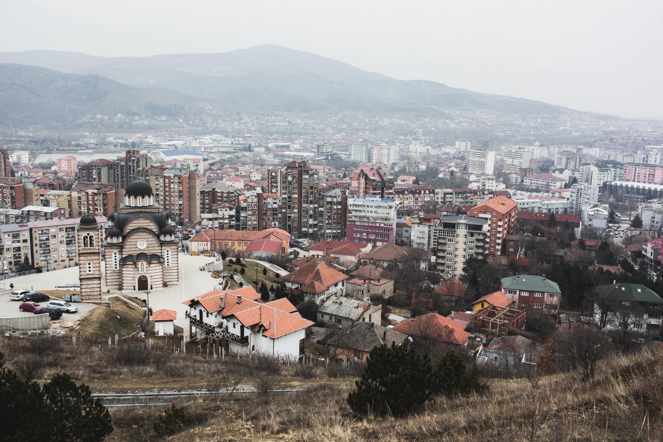 Au nord du Kosovo, Mitrovca est une ville coupée en deux, en partie sous contrôle serbe. (photo Martin Valentin Fuchs)
