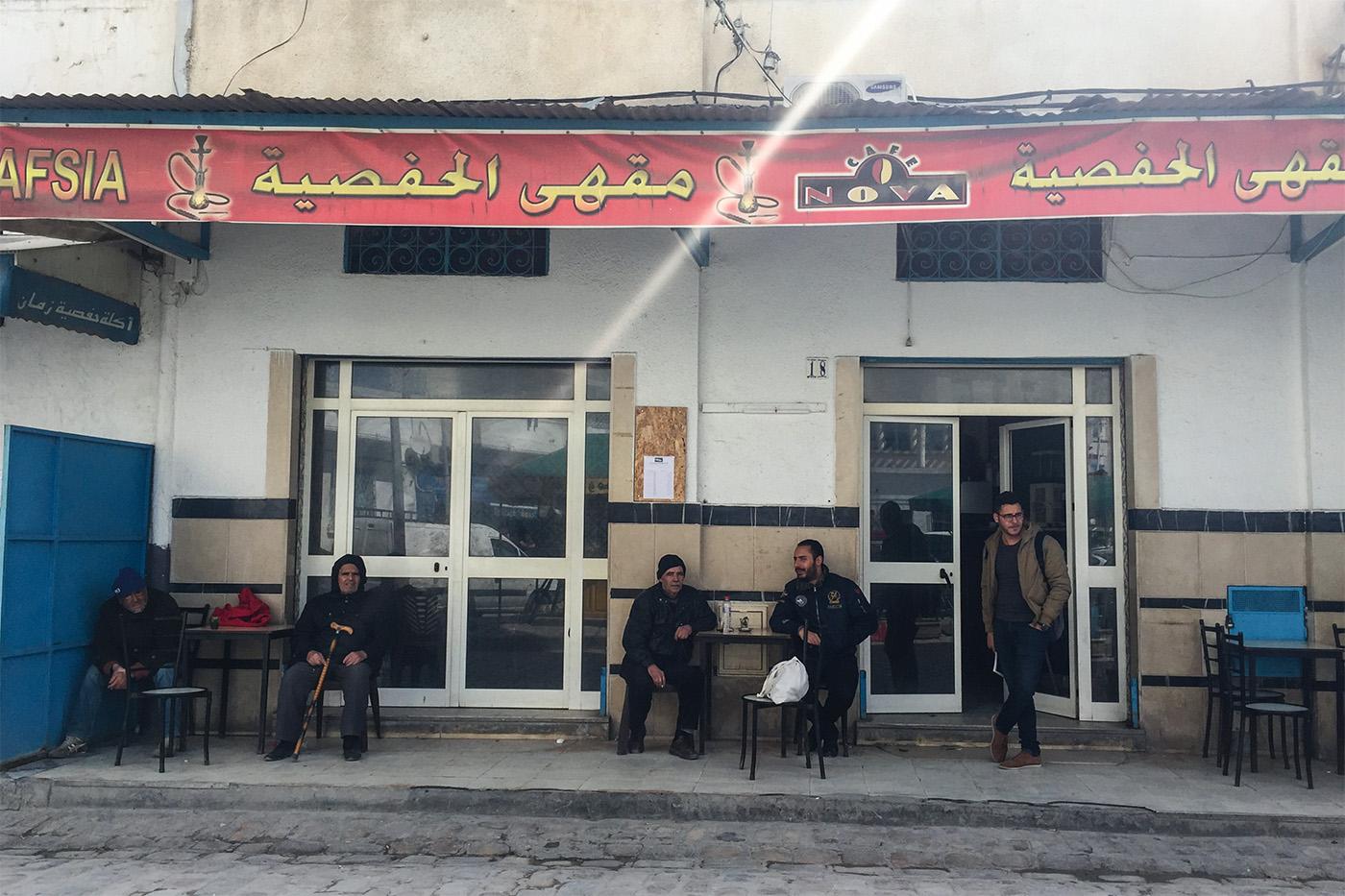 Le café Sabta dans le centre-ville de Tunis. (photo Capucine Japhet/8e étage)