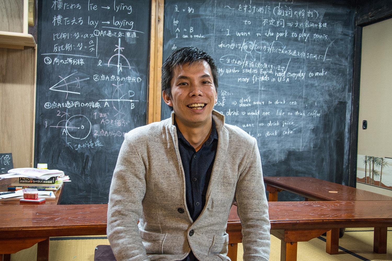 Keisuke Mori, l'un des diplômés de l'école de management pour moines, a pour ambition de créer un service de location de tombes. (photo Margot Garnier/8e étage)