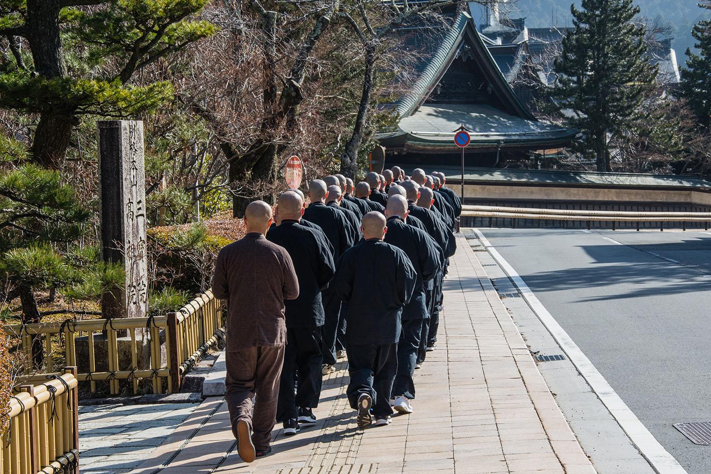 Environ 1000 moines résident dans la ville sacrée de Koyasan. (photo Margot Garnier/8e étage)