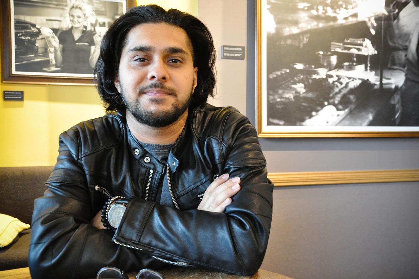 Aiden Faraz, 23 ans, originaire du Koweït, s'est installé à Varsovie pour ses études.  (Photo Capucine Japhet/8e étage)